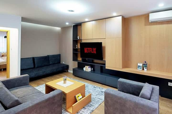 LINA - PRN, City Park Apartment