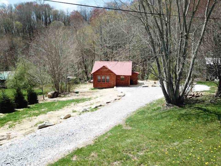 Creekside Blessings  Cabin