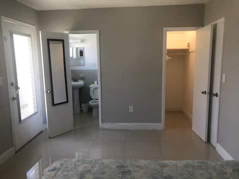 Cozy private room at Miami Beach