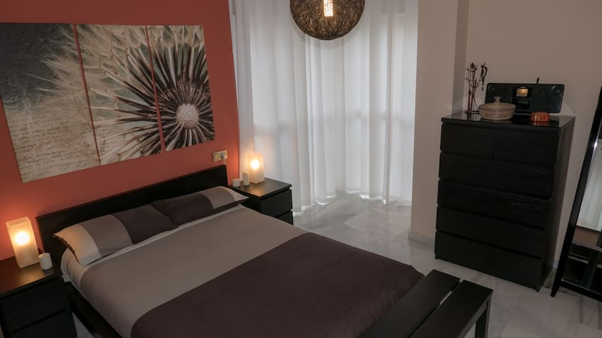 Room with private bathroom in Malaga city center - Málaga - Huoneisto