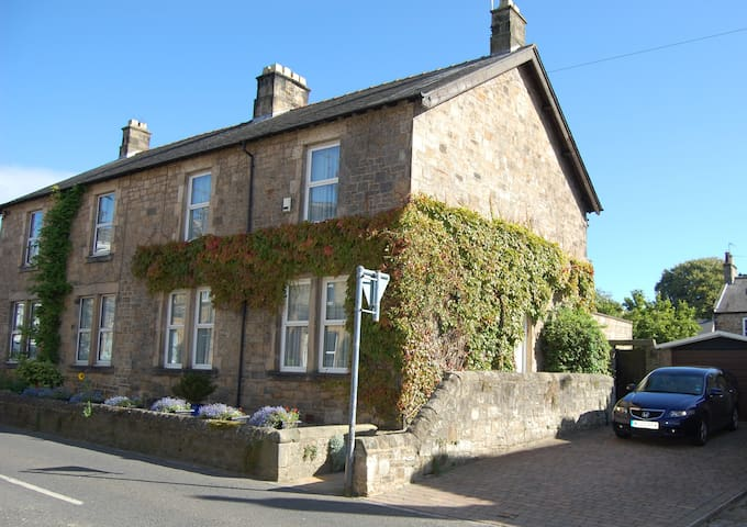 Double Bedroom in Victorian House, Gainford