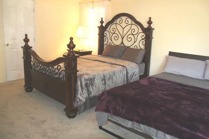 Nice room with two queen beds one