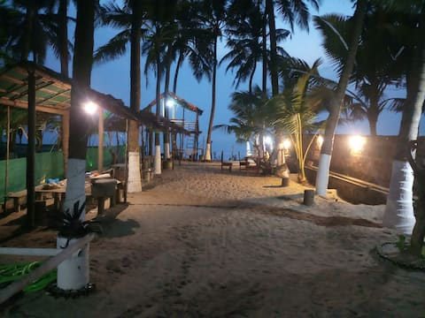 2 rooms ac stay at beach side