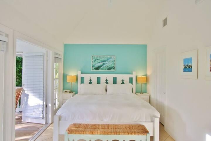 Coral Lagoon 12 ~ Tropical Haven - Marathon - House