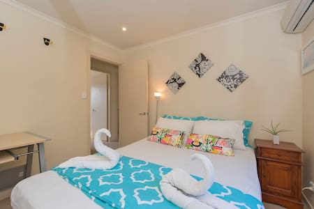 Villa Byron Bay - Queen Room *PERFECT FOR COUPLES - Byron Bay