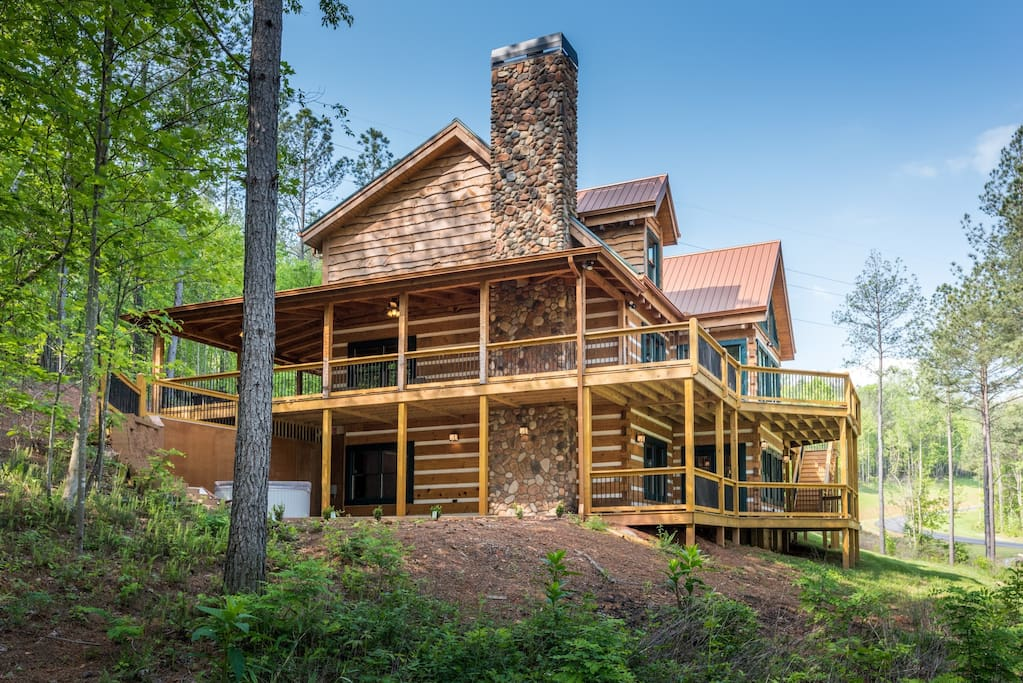Large mountain cabin on lake nottley cabins for rent in for Large cabin rentals north georgia