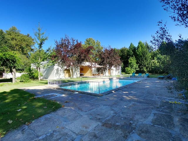 Villa with pool in the countryside