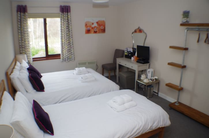 Strathassynt B&B (near Glencoe) triple rm ensuite - Glencoe - Bed & Breakfast