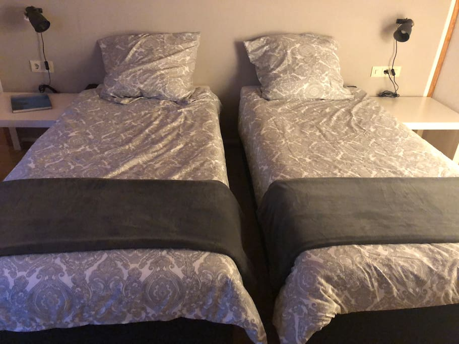 Schlafzimmer, zwei Einzelbetten