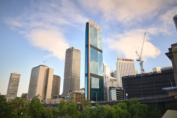 Quiet Double With Shared Bathroom At The Rocks/Circular Quay