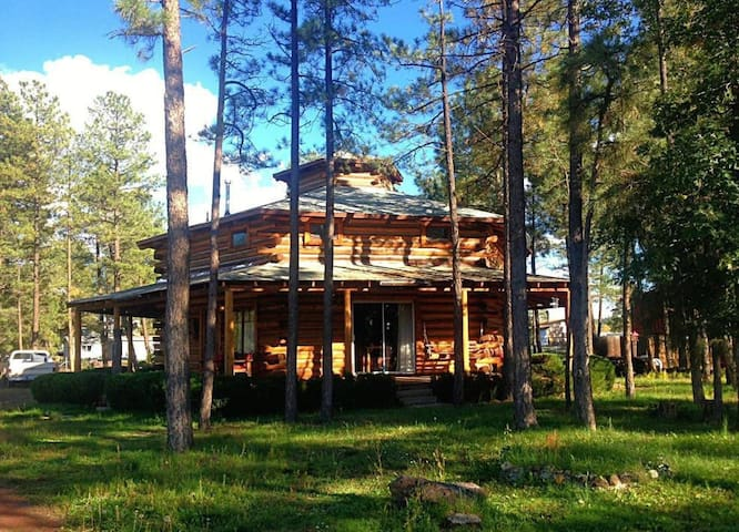 Six Pines Lodge - Navajo County - House