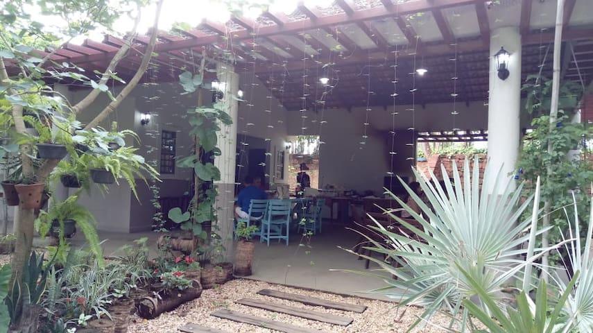 Chácara Beira Lago
