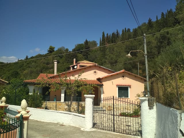 Traditional house in the village Ano Garounas