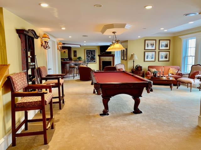 Luxury Walkout Lower Level in Golf Club Sub