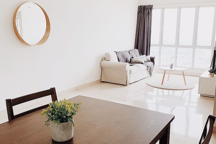 Comfy White Home in KL With Great Day Night View