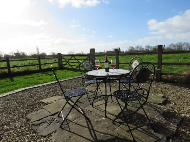 Welsh Apple Barn - perfect couples retreat