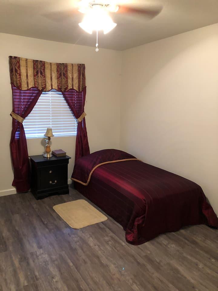 Cozy Beautiful Room