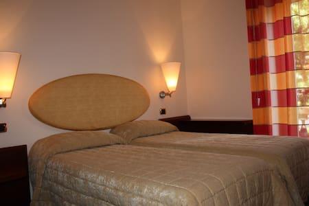 TWIN ROOM - Legnano