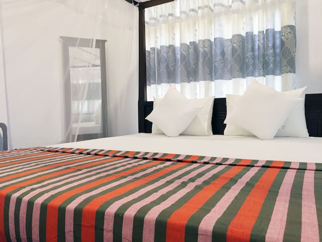 Nudara Holiday Inn - Superior Private Bed Room #1