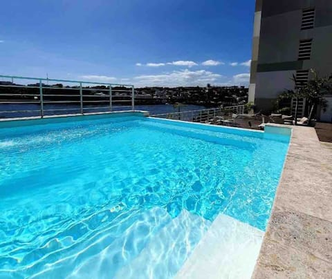 Lovely 2-bedroom Condo with 3 Pools +Gym+waterview