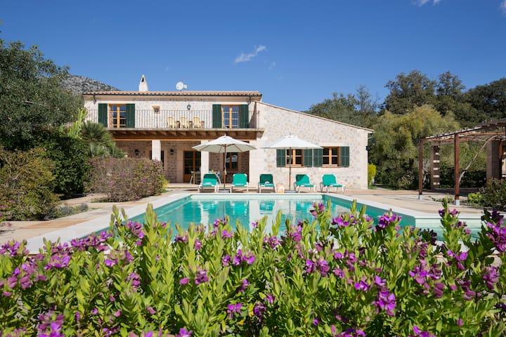 Superb peaceful rustic style Villa Ca'n Sureda