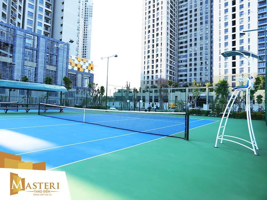Tennis court [Free of charge, reservation at Reception]
