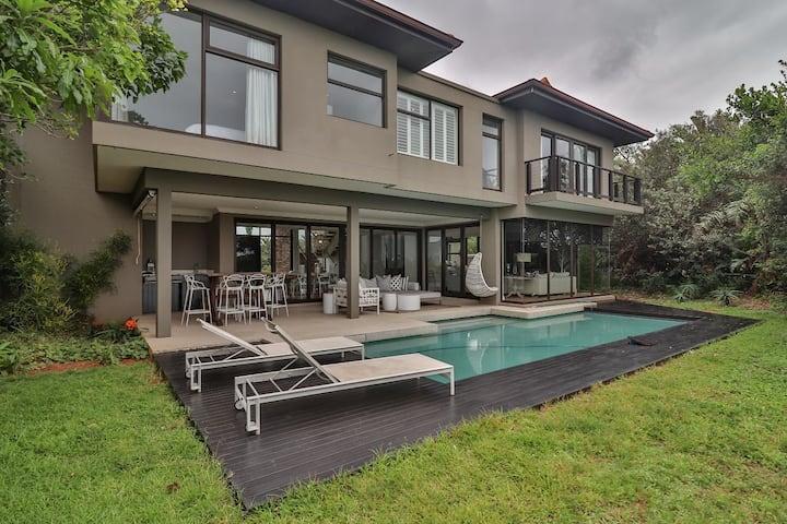 Zimbali – 4 bedroom Luxury Bali Segara Villa