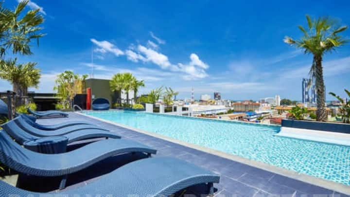 Private One Bedroom Rooftop Swimming Pool Pattaya