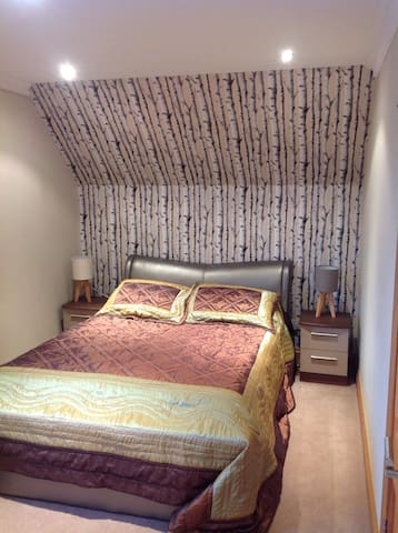 Cozy room, parking and breakfast - Coalburn - บ้าน