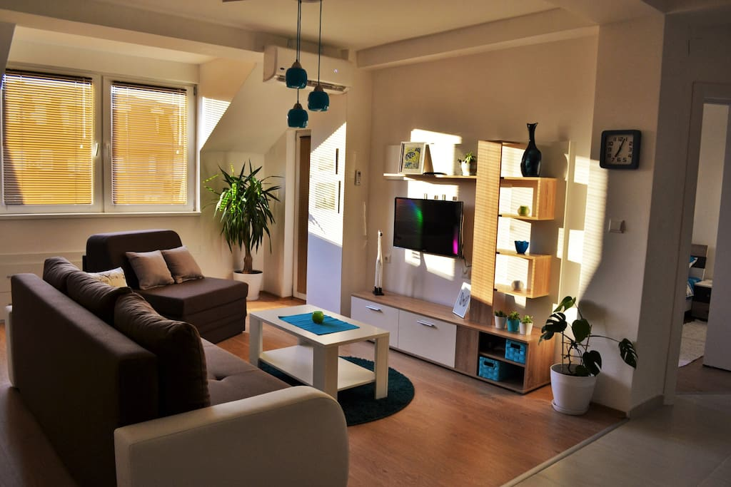 Spacious and cozy living room