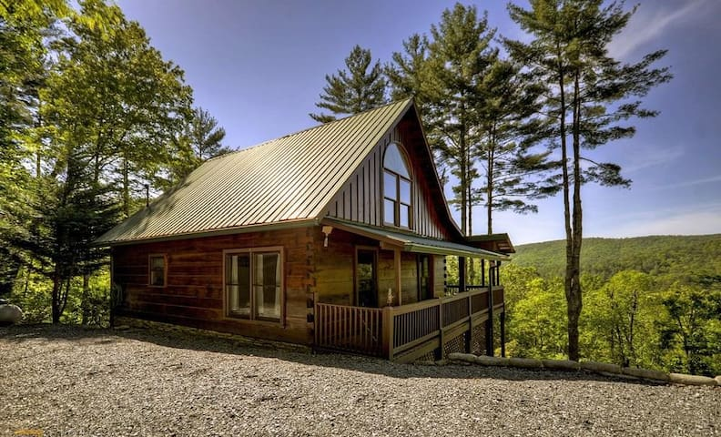 3 Bedroom 2 5 Bath Cabin Rental Cabins For Rent In Blue Ridge Georgia United States