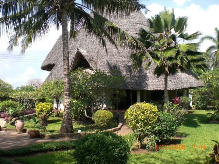 Villa Soleil mit Pool,Koch,strandnah,11 Gäste, AC
