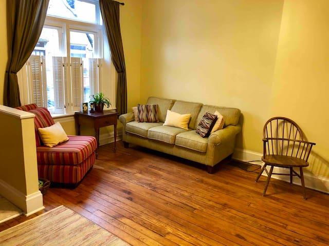 Cozy, bright first floor livingroom