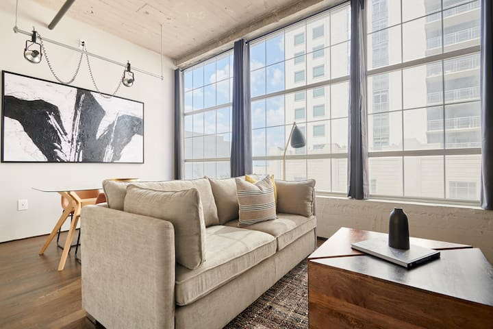 Sonder | The Hogg Palace | Stylish 1BR + Gym