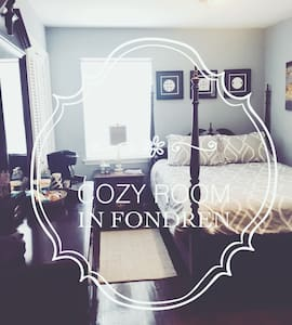 QUIET, COZY ROOM 1 IN HISTORIC FONDREN!!!