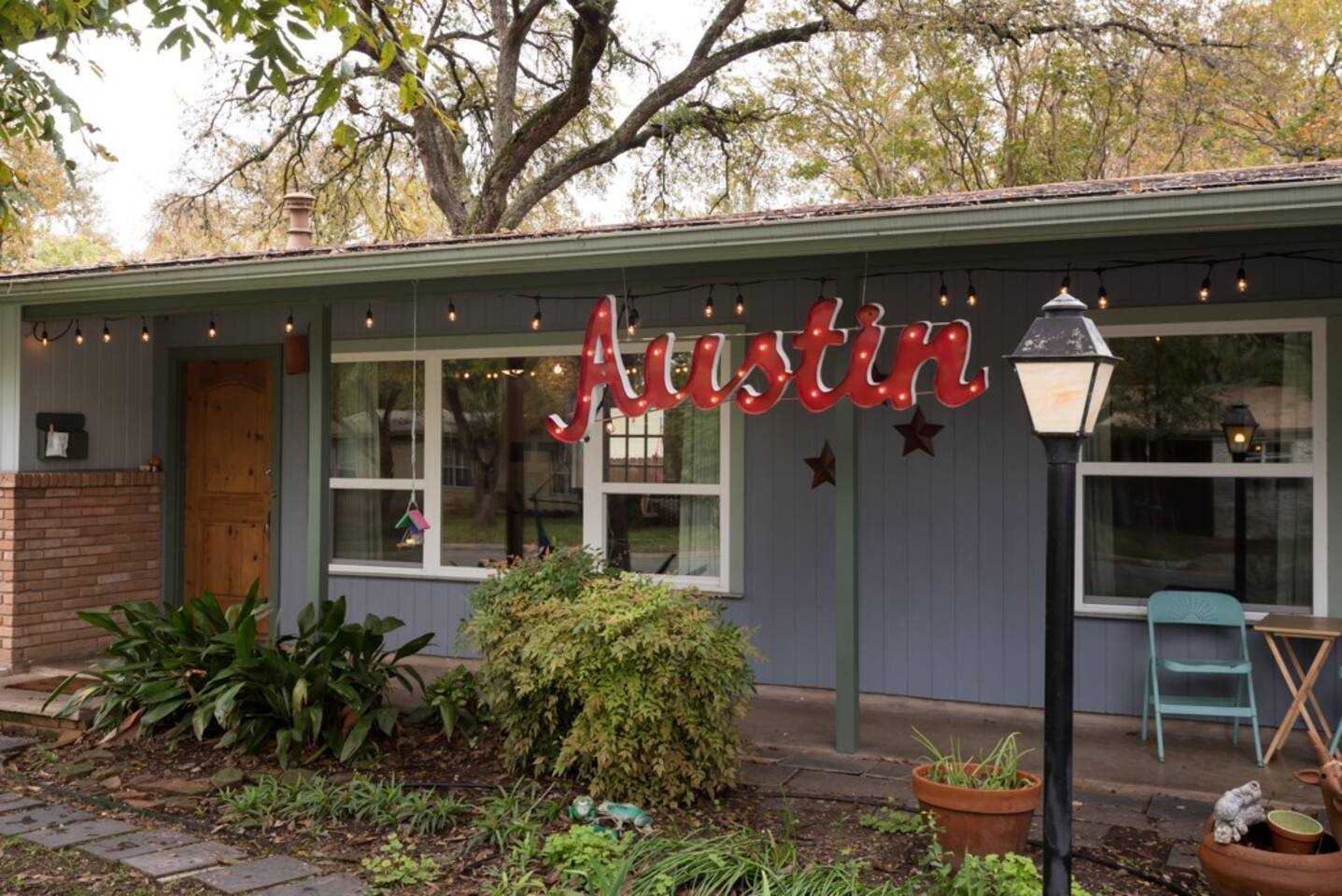 Classic Austin Home to welcome you. Picture Perfect Start.