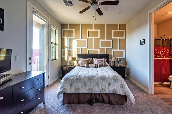 Clean room with en-suite bathroom and balcony