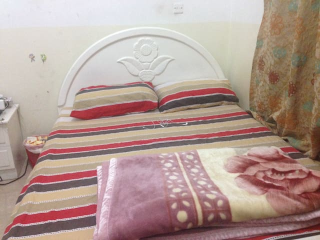 A separate private room available - Doha - Flat