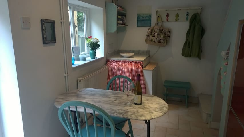 Two bedroomed pretty apartment in centre of Lewes - Lewes - Leilighet