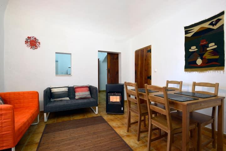Familiar Home in Historic Évora