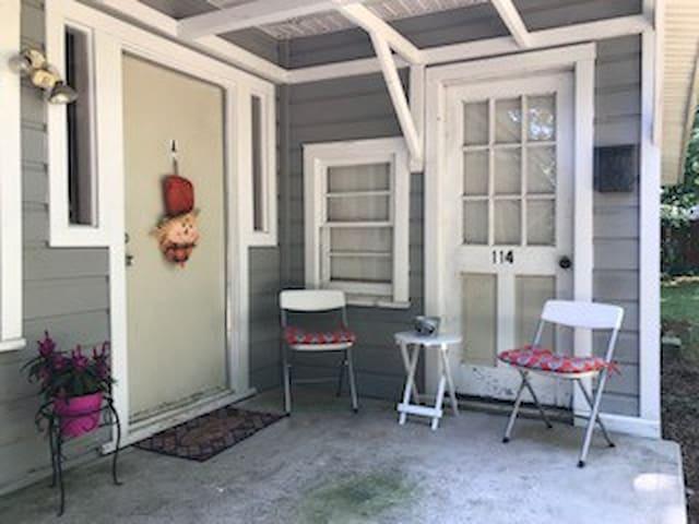Clemson Access - Cozy and Convenient