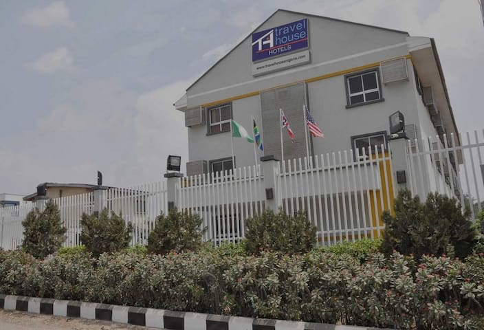 Travel House Lagos...Luxurious and Affordable Hotel In Lagos