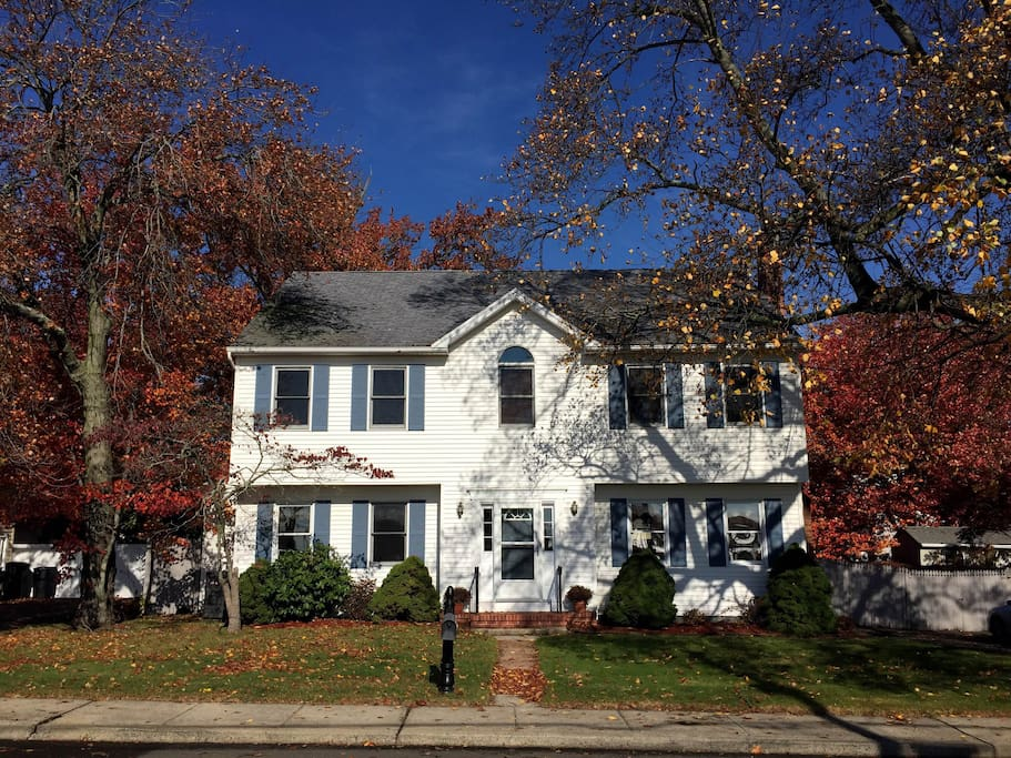 Lovely 4 bdrm Colonial facing the water.