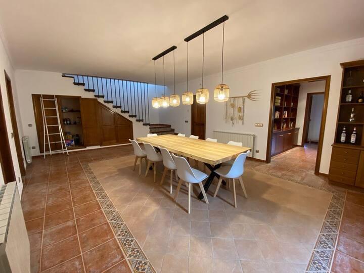 Magnifica y espaciosa casa de Pueblo con vistas