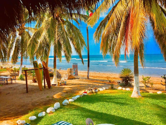 Saladita surf bungalow  5