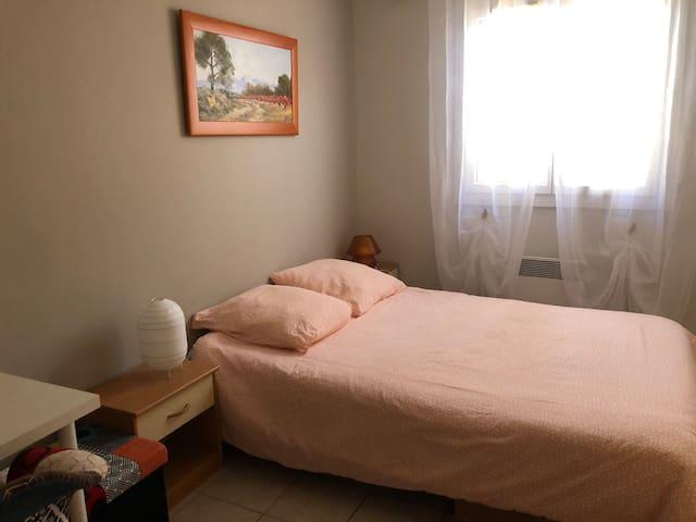 Chambre avec BZ dans villa.