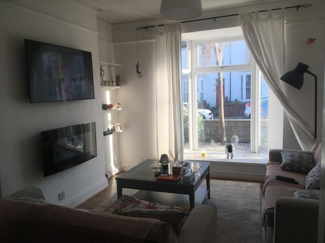 Cosy home in Swansea / Gower - entire house