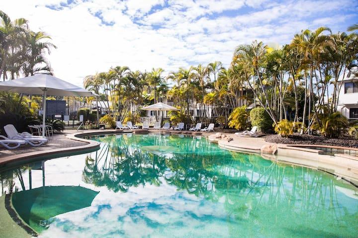 Tropical Getaway in 2 Bedroom Unit in 4* Resort