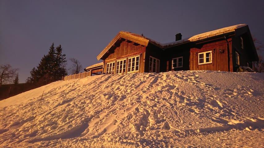Hytte med flott utsikt! Ski in - ski out! - Rena - Cabana
