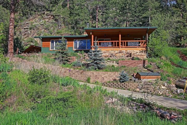 Big Thompson Cabin-Near Estes, RMNP, and Loveland!